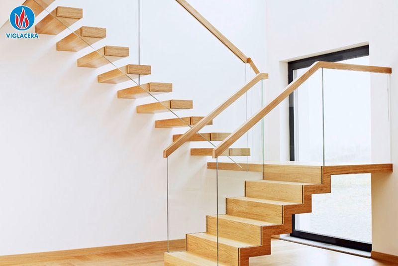 Ảnh 5: Kính được sử dụng làm lan can, cầu thang