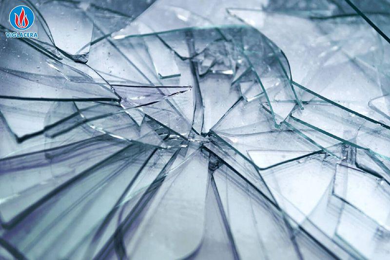 Thủy tinh là nguồn nguyên liệu quan trọng để sản xuất kính