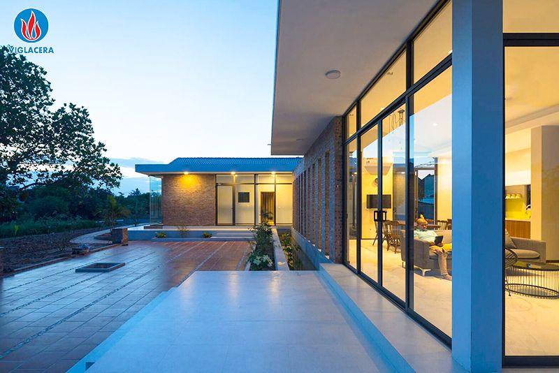 Vật liệu kính được ứng dụng trong nhiều công trình xây dựng