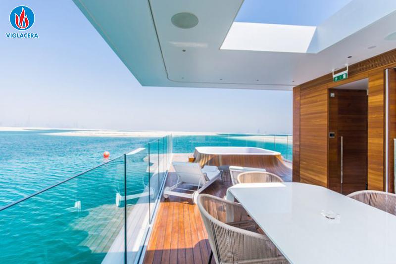 Ảnh 3: Căn nhà có tính thẩm mỹ cao hơn nhờ vật liệu kính