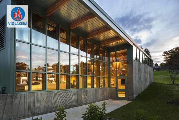 Chất liệu kính là điểm nhấn thẩm mỹ quan trọng cho công trình